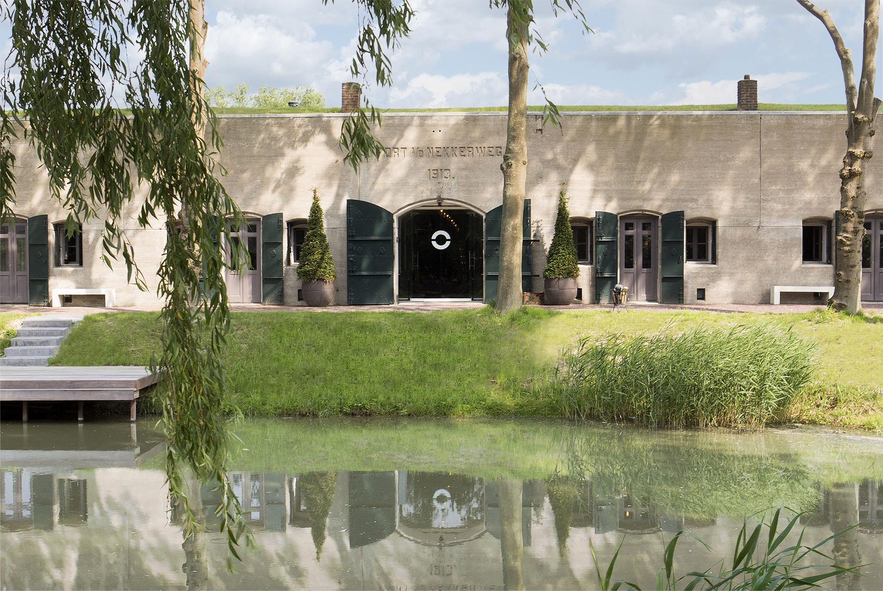 Welkom bij Fort Resort Beemster een unieke Spa & Wellness met hotelkamers, twee restaurants, diverse zalen voor vergaderingen en bruiloften en een luxe spa voor massages, gezichtsbehandelingen, hammam & meer. Ontdek het nu zelf. Op slechts 20 minuten van Amsterdam, De mooiste sauna van Nederland.