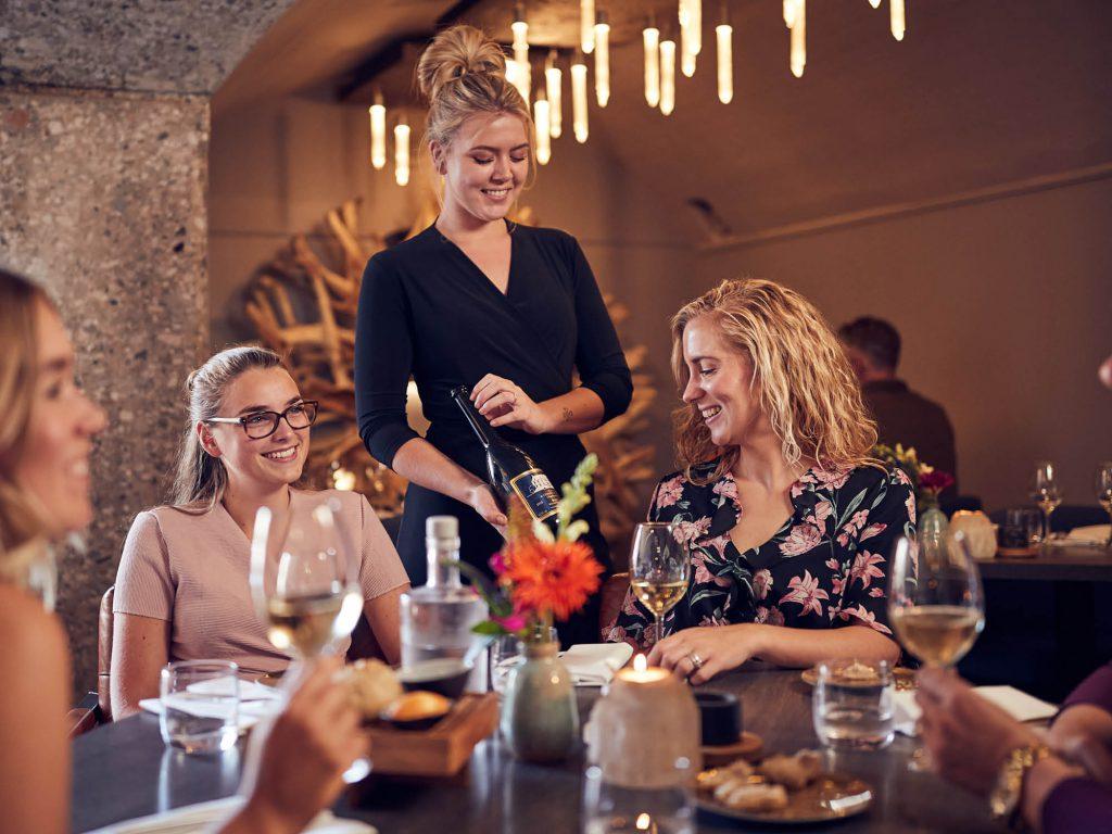 Bijzonder uiteten in de Beemster. Proeven & genieten in het Poterne restaurant, mooie gerechten met heerlijke wijnen.