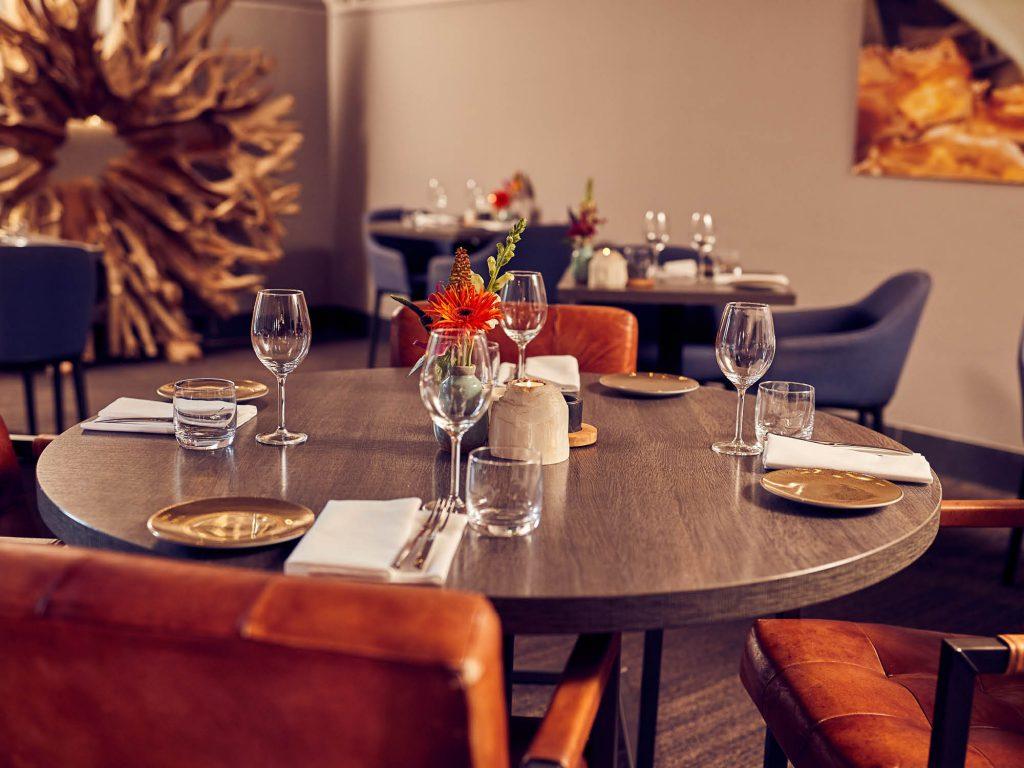 Het Poterne restaurant is bijzonder sfeervol. U kunt ook genieten in het Poterne restaurant zonder naar de sauna en Spa & Wellness te gaan.