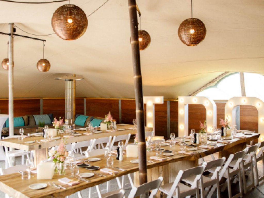 De bedouin tent op het Poterne terras van Fort Resort Beemster voor feesten,diners & trouwerijen.
